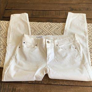 Gap white jean leggings size 26 petite EUC